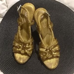 Adorable gold/cork heels